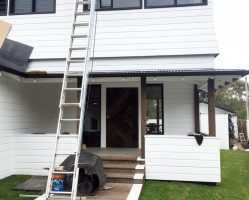(During)The exterior paintwork is nearly finished.